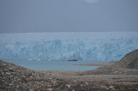 Au pied du glacier